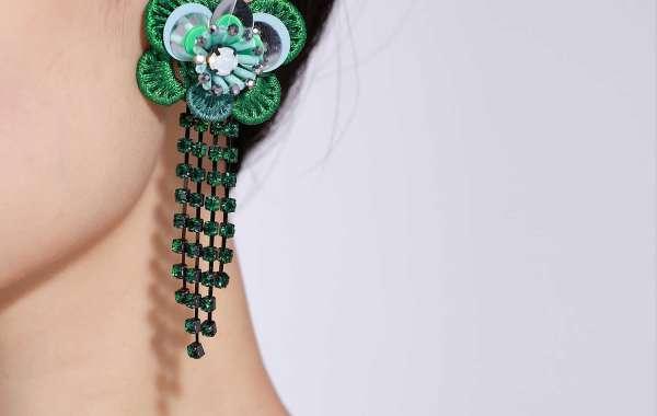 Jeweled Pendant Necklace